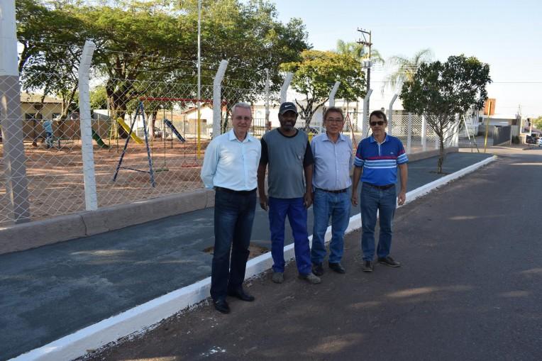 Prefeitura finaliza reforma do parquinho da Caixa D'água.
