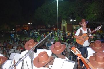 Orquestra de Violas realizou apresentação abrindo comemoração do 74º aniversário de Parapuã.