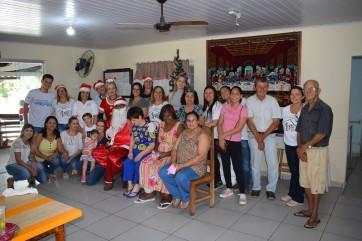 Esf Drº Jader realiza visita no Lar dos Idosos de Parapuã