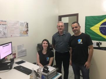 Prefeito Gilmar Realiza Visita ao Cartório Eleitoral em Osvaldo Cruz