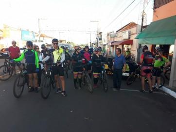 Realizado Passeio Ciclístico, em comemoração ao 73º Aniversário de Parapuã.