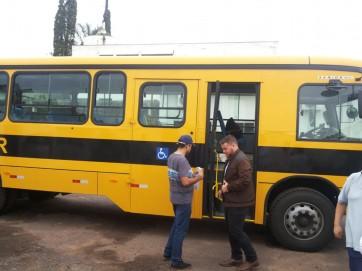 Parapuã adquire novo ônibus escolar.