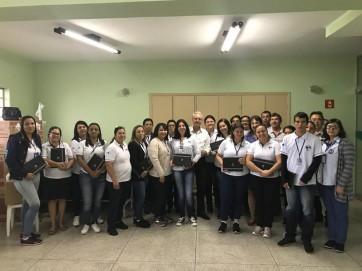 Prefeito Gilmar entrega tablets aos Agentes Comunitário de Saúde e Agentes de Combate à Endemias