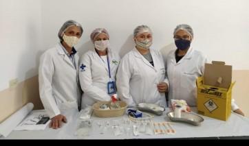 Equipe de Enfermagem da ESF German Alcoba Salgado, realiza educação continuada com equipe de enfermagem.
